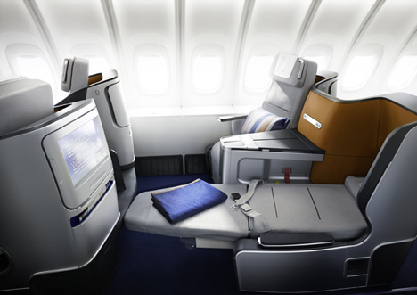 dezeen_Lufthansa-Business-Class-Seat-and-Cabin-by-PearsonLloyd-8